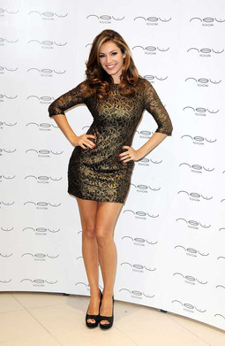 The Curvy Life of Kelly Brook