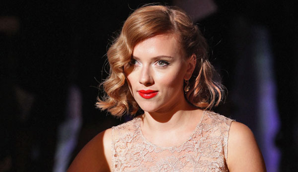Scarlett Johansson is Still Really Pissed About Her Leaked Nude Pictures