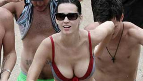 Katy Perry Gets Wet and Wild