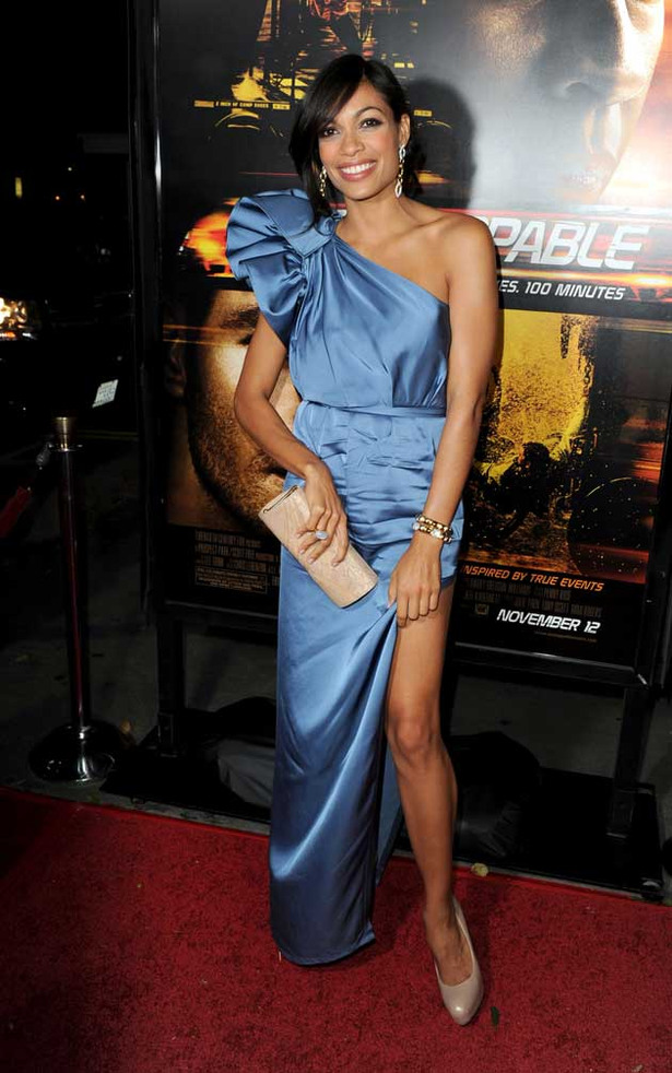 Rosario Dawson's Dress Nearly Blows Away