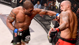 Rampage Jackson Knocks Out Joey Beltran